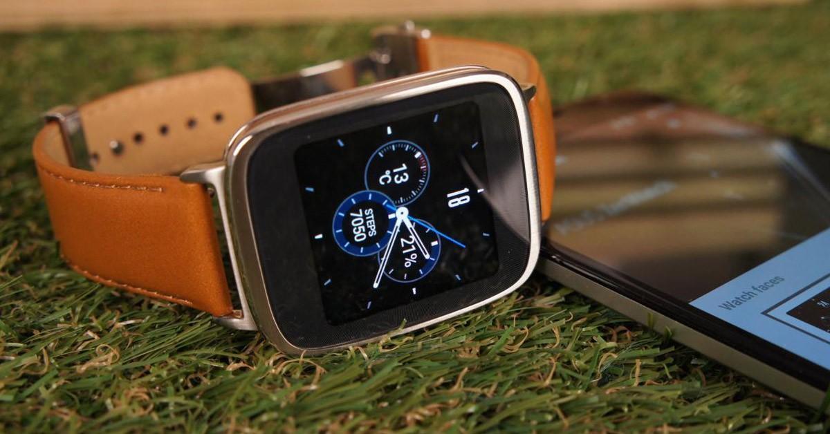 Умные часы со смартфоном.