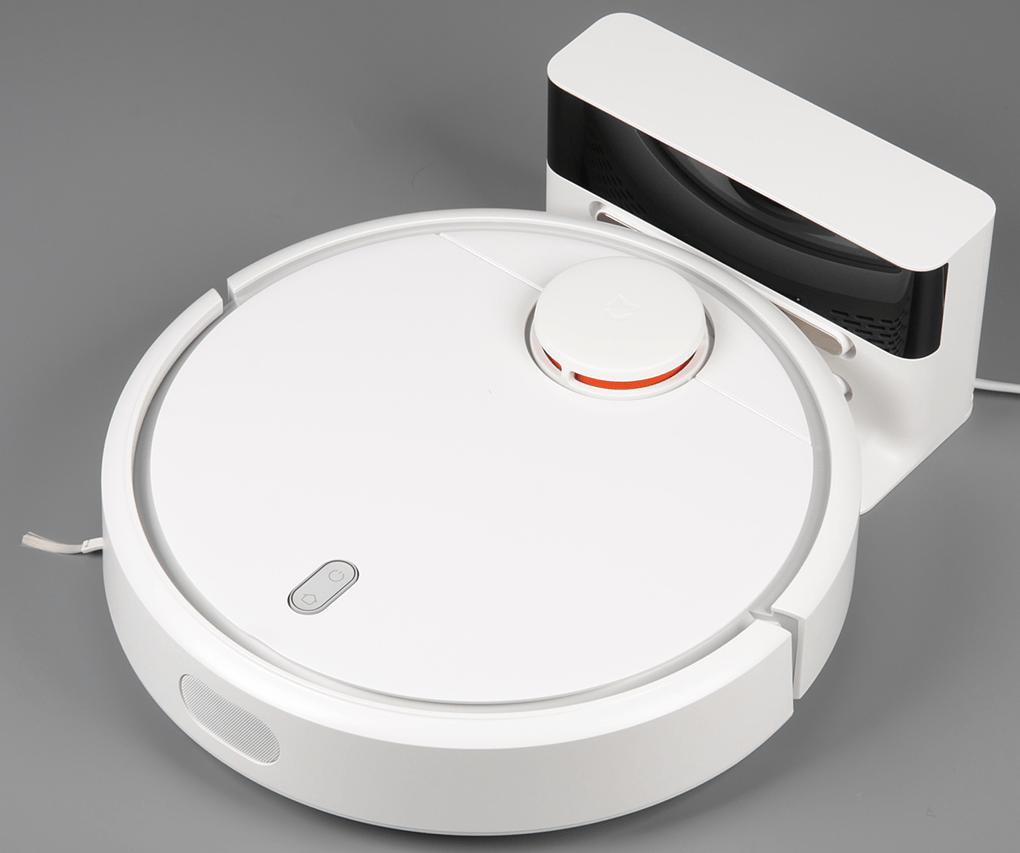 Xiaomi Mi Robot Vacuum.