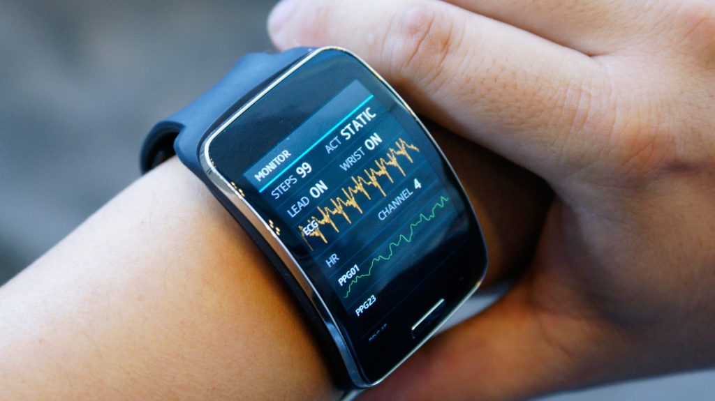 часы с измерителем давления