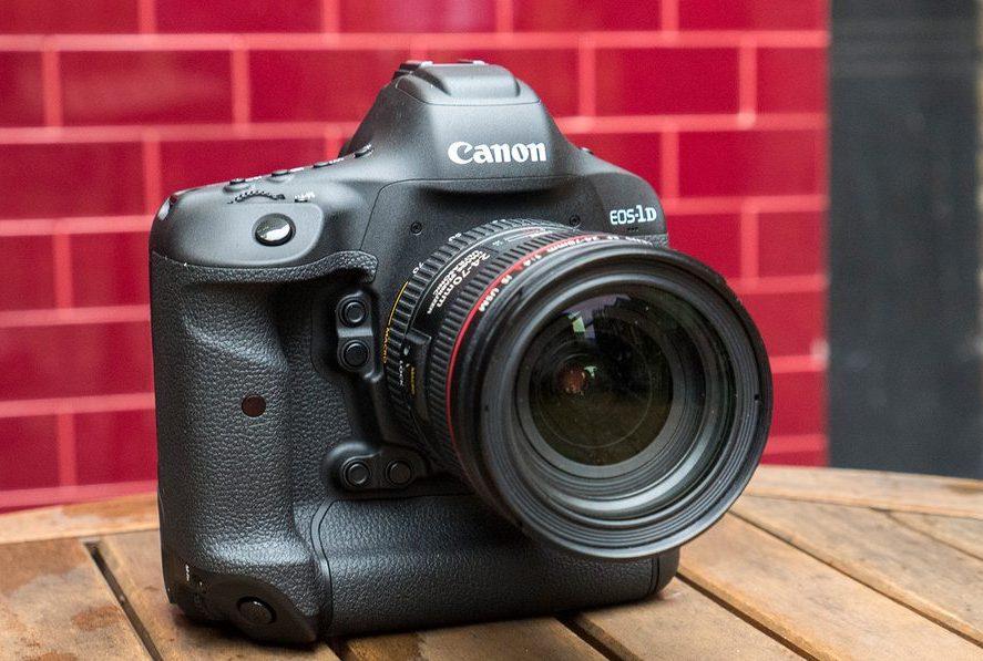 Canon EOS-1D X Mark II.