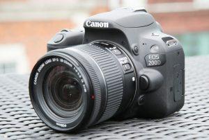Что лучше иметь после 50: престижный смартфон или хороший фотоаппарат