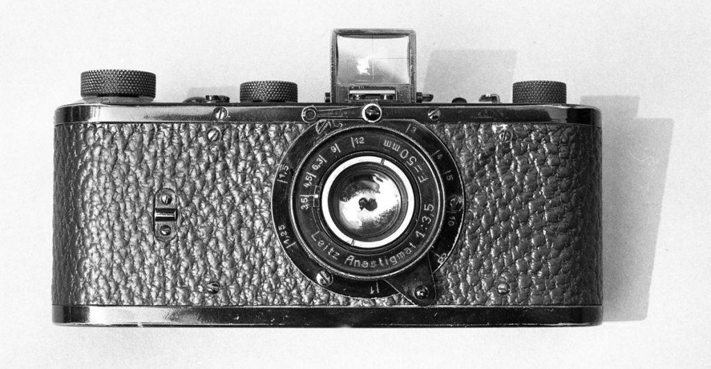Leica 0 (№ 122).