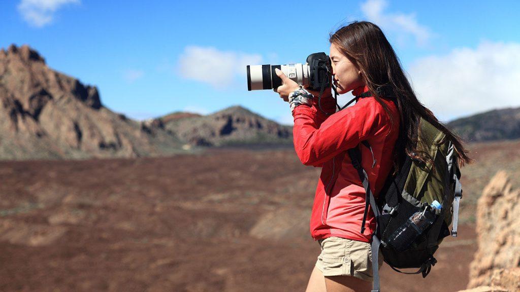 Как правильно держать фотоаппарат.