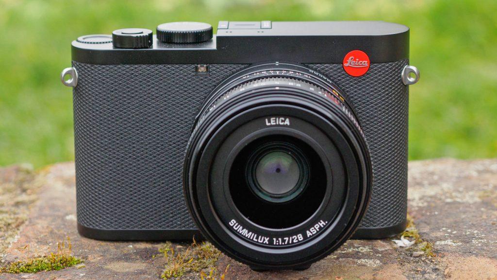 Leica Q2.