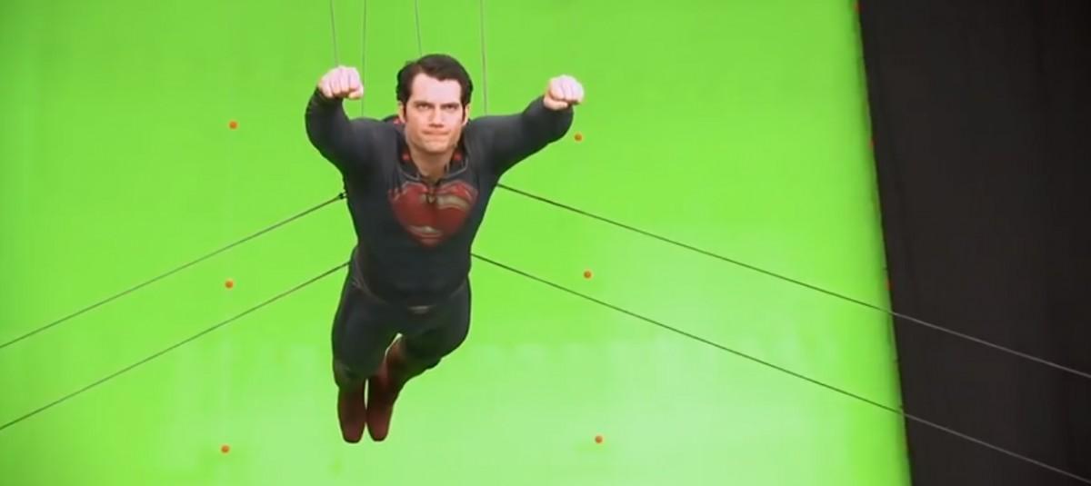 Почему монтажируемые сцены в кино снимают на зеленом фоне?