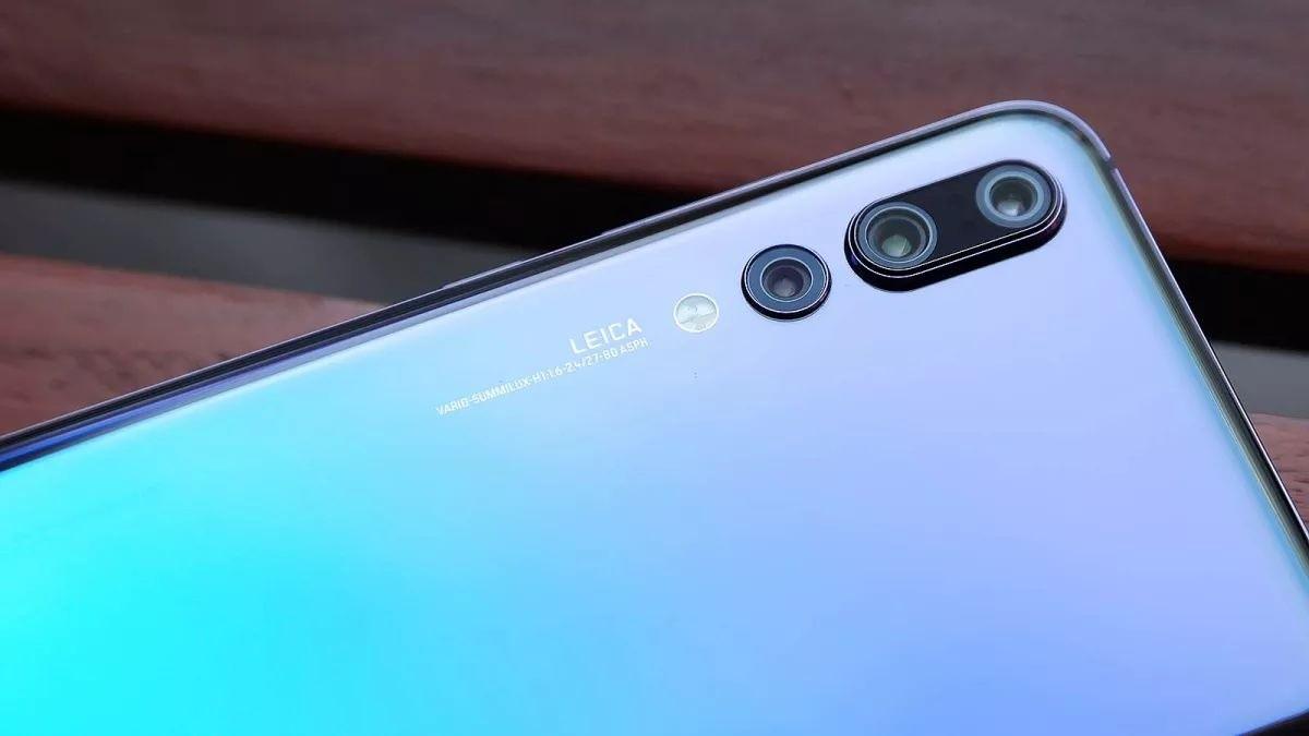 Зачем на современных смартфонах вторая камера?