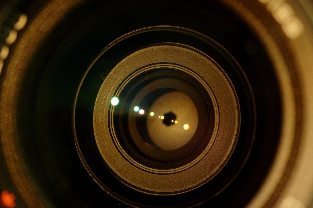 Могут ли за нами следить через камеру смарфона/ноутбука?
