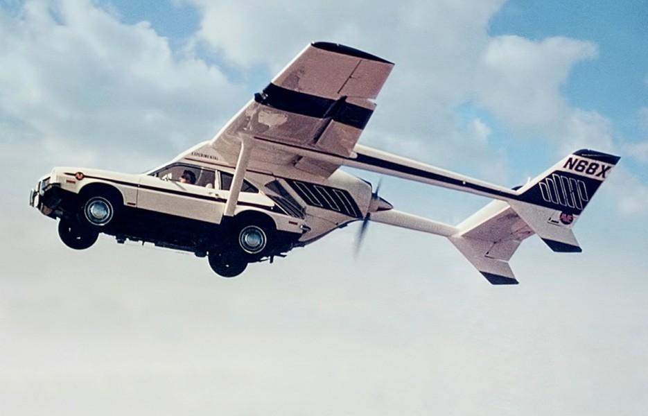 Первый летающий автомобиль
