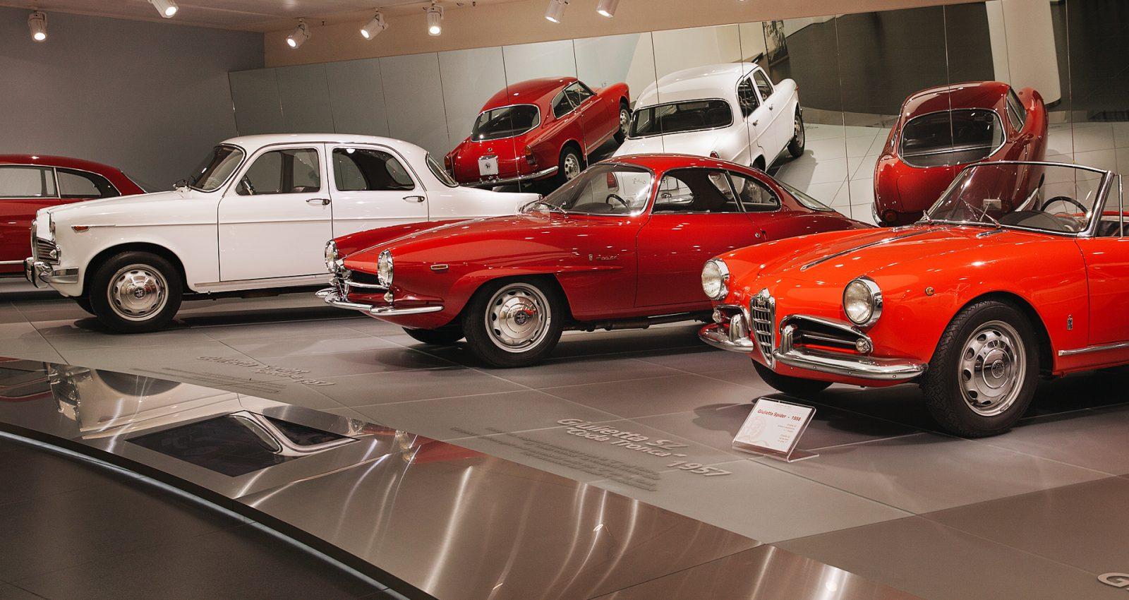 автомобили в музее