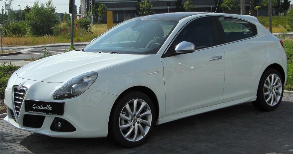 Alfa Romeo Giulietta белая