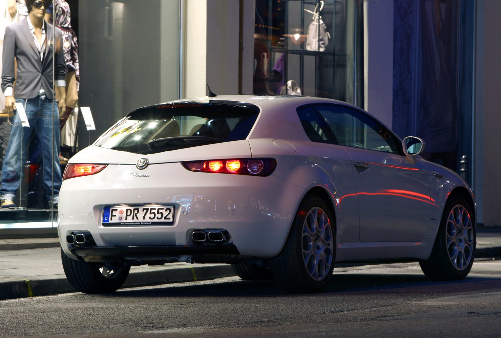 Alfa Romeo Brera сзади