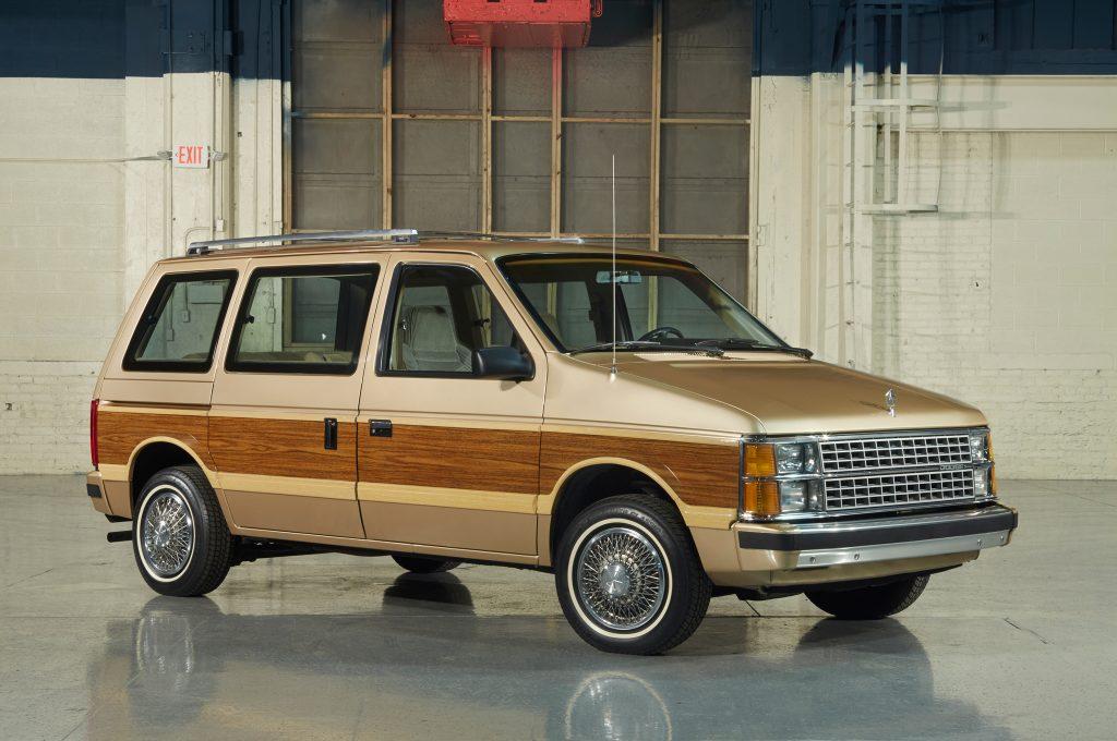 Dodge Caravan 1984.