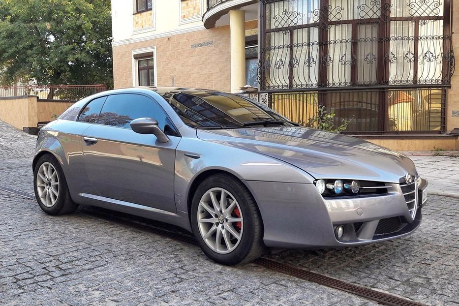анфас Alfa Romeo Brera