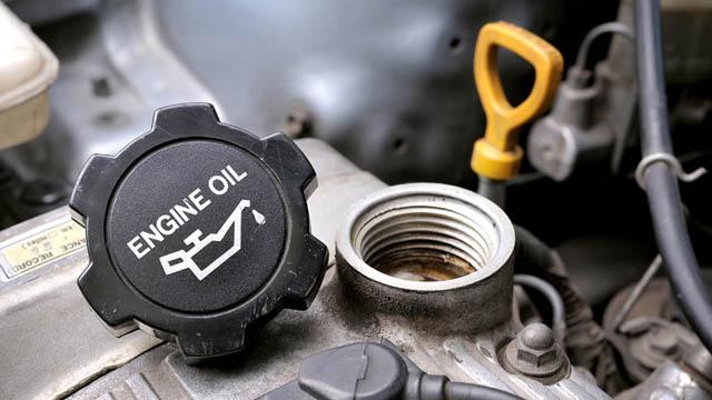 Сколько масла в двигателе: как проверить и сколько нужно