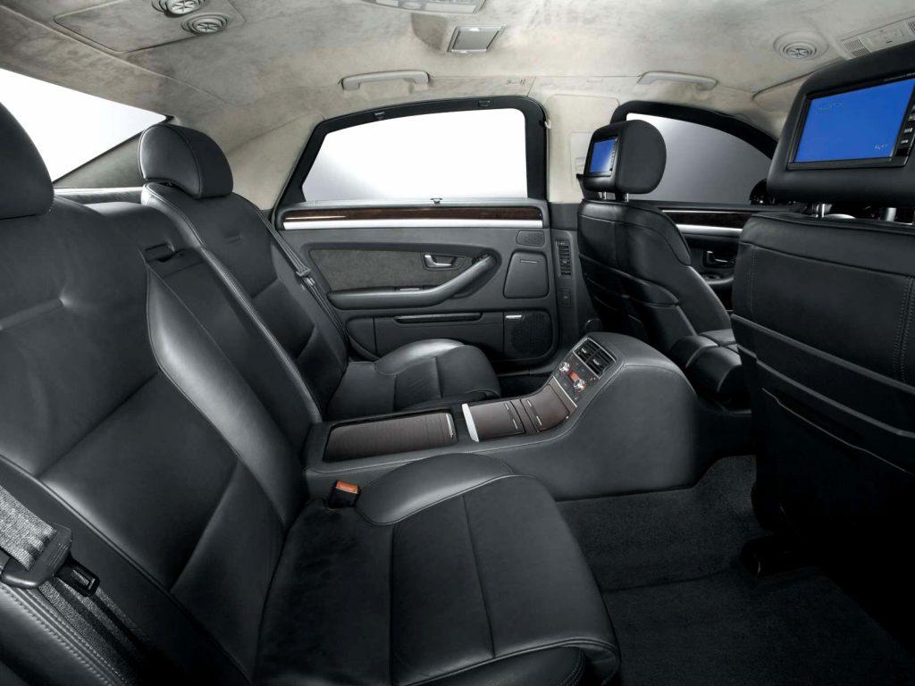 Audi A8 D3 внутри.