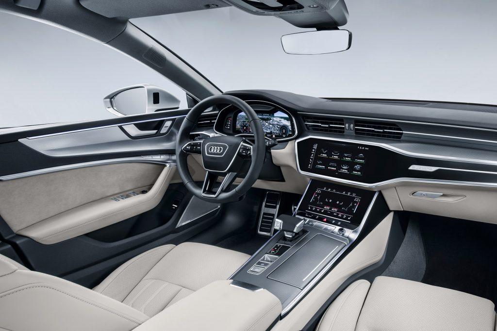 Audi A7 салон.