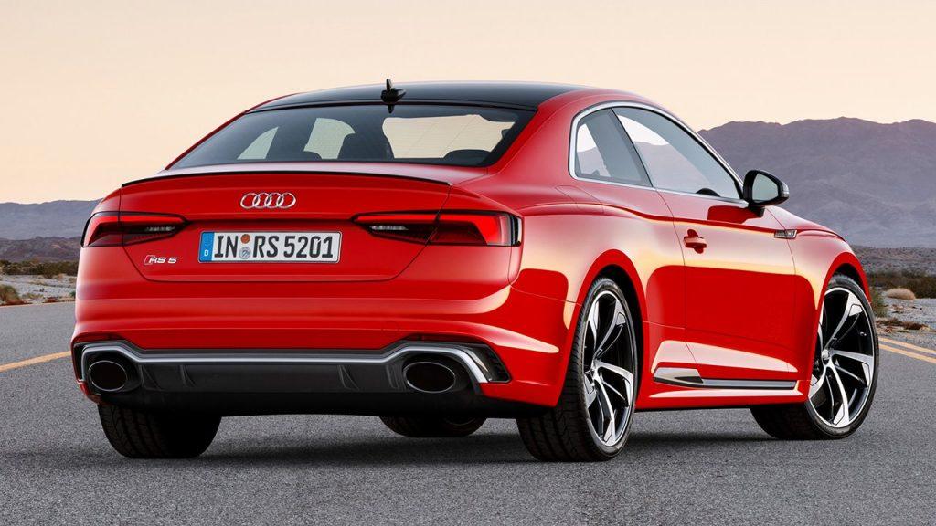 Задняя часть Audi RS5.