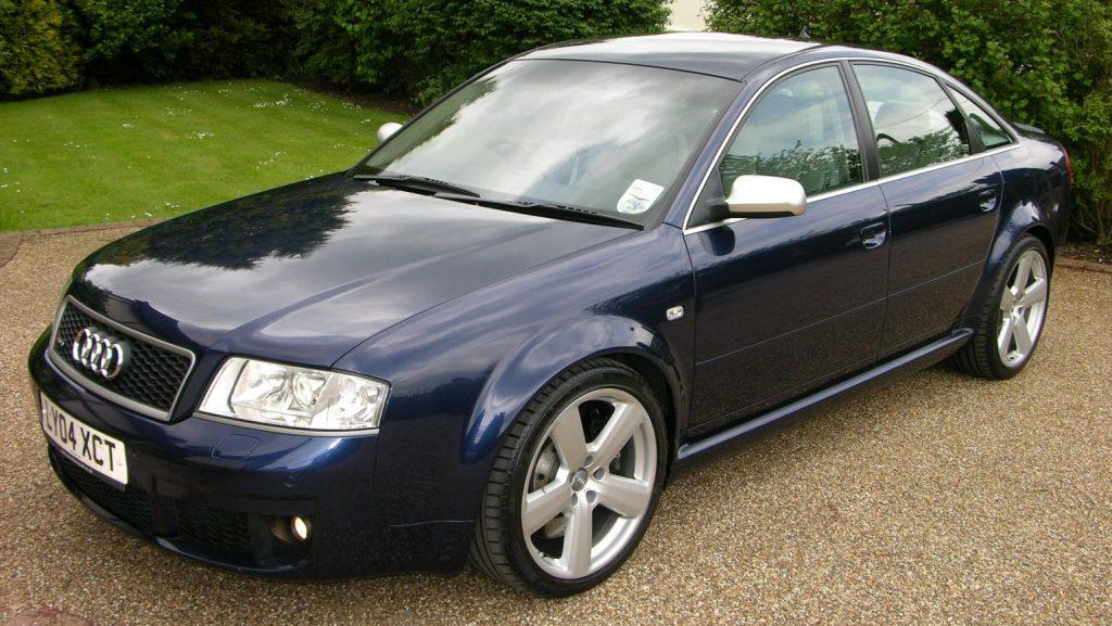 Audi А6 С5 вид сбоку.