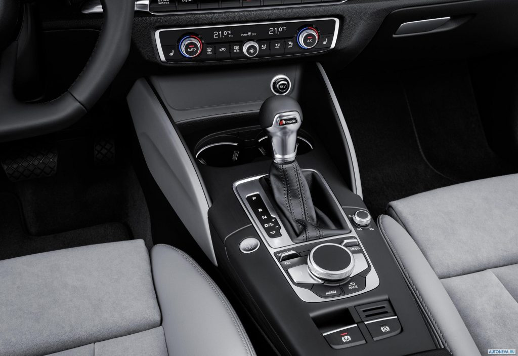 Audi A3 Sedan салон.