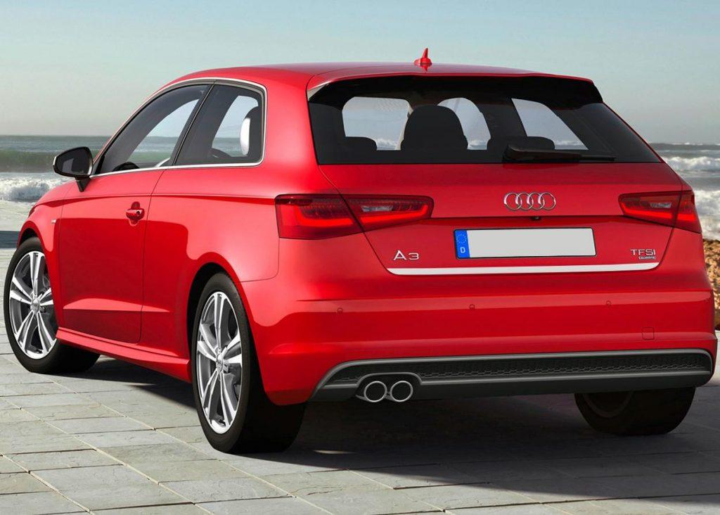 Audi А3 вид сзади.
