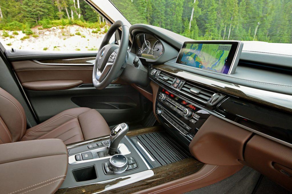 BMW X5 F15 внутри.