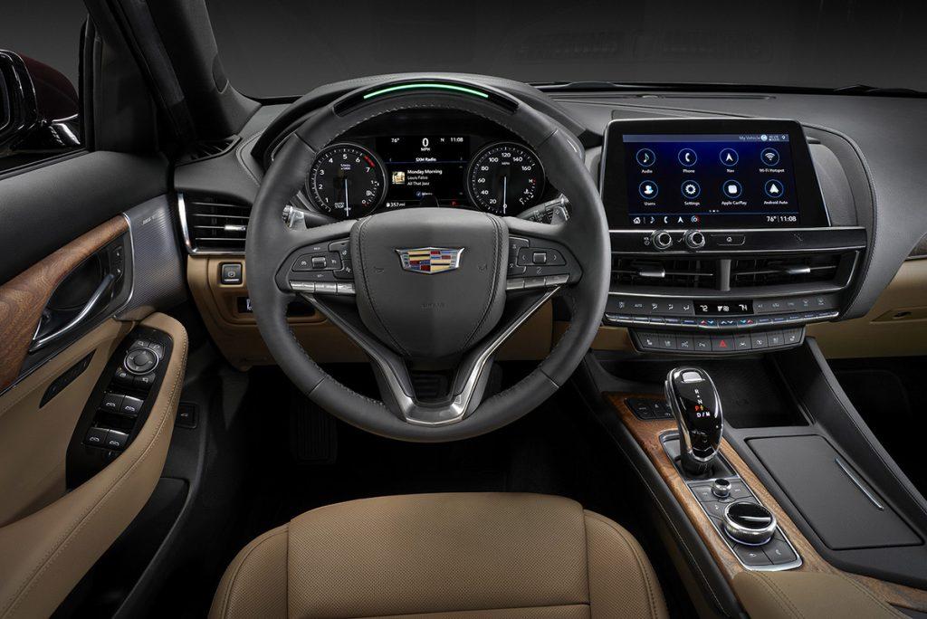 CadillacCT5 внутри.