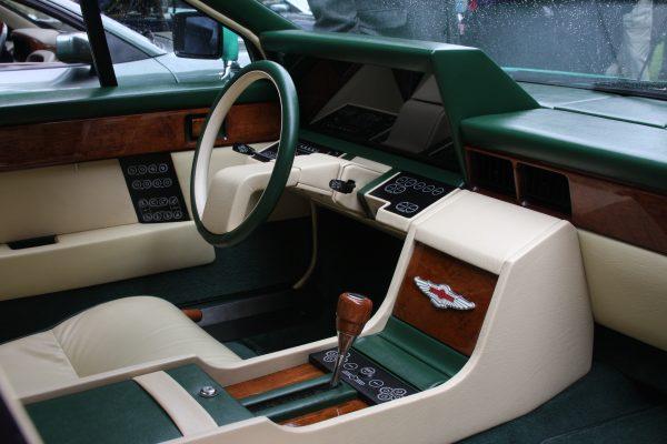 руль Aston Martin Lagonda