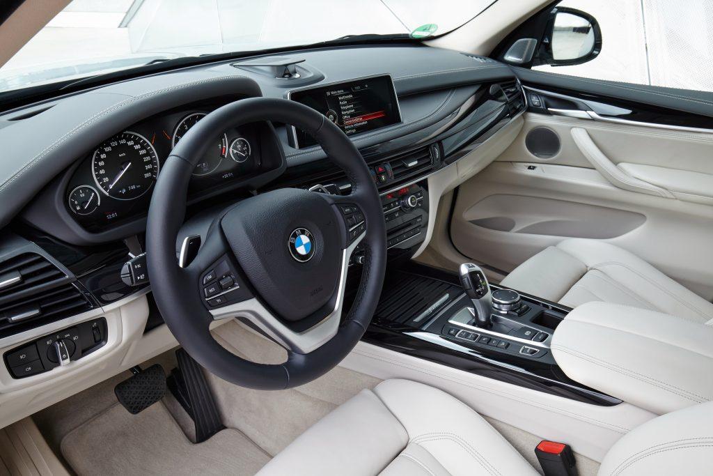 BMW X5 салон.