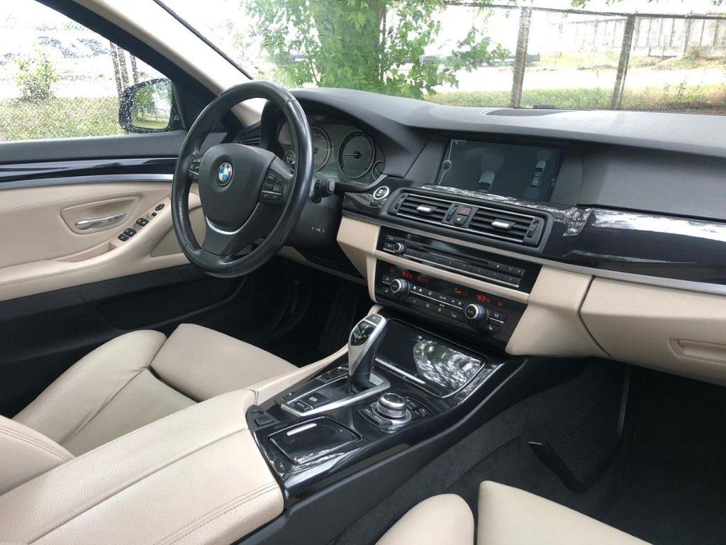 BMW 535 салон.