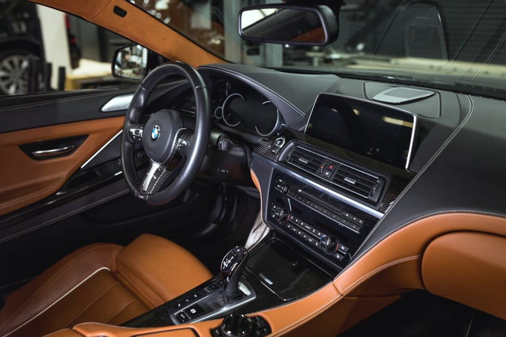 BMW 6 F13 салон.
