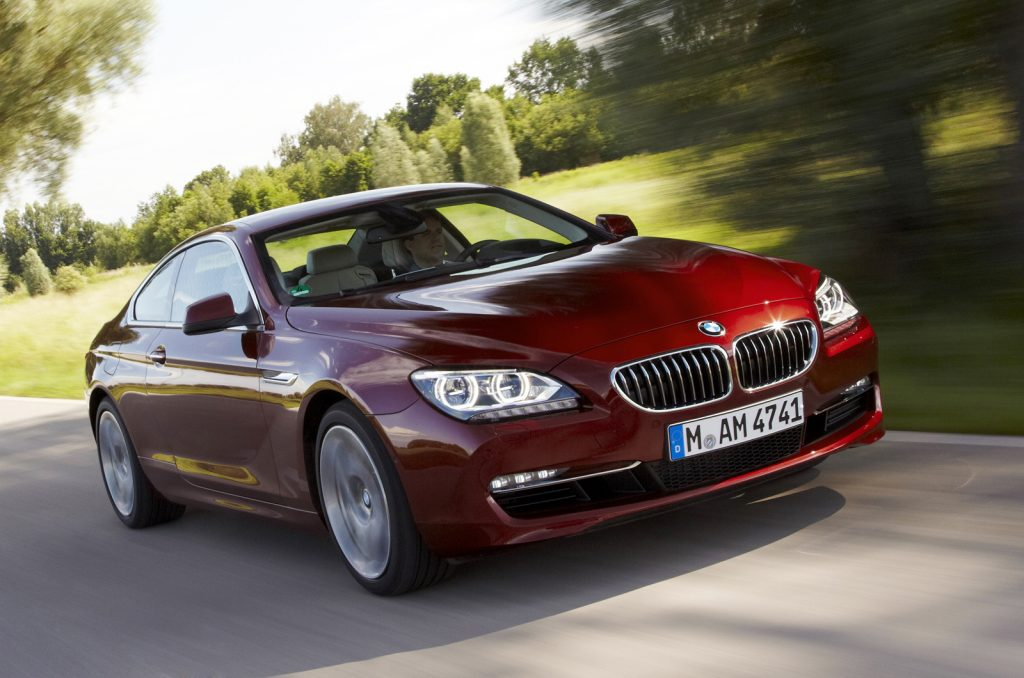 BMW 640i в движении.