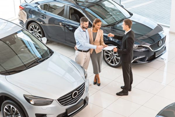 10 ошибок, которые совершает большинство людей при покупке нового автомобиля