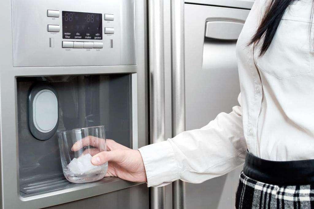 Что такое генератор льда в холодильнике?