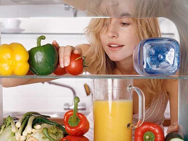 Холодильник шумит