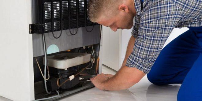 Почему течёт холодильник? Можно ли решить проблему без мастера?