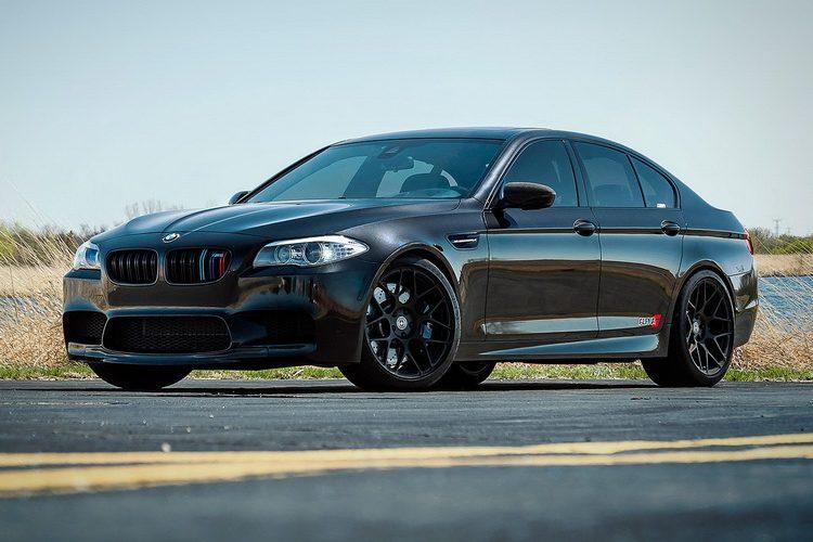 BMW M5 F10.