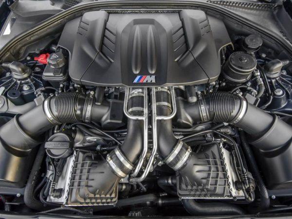 BMW M5 F10 технические характеристики.
