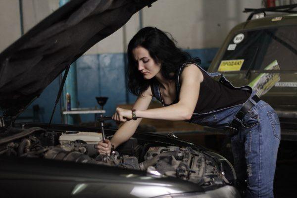 10 причин, почему владеть старой машиной лучше, чем новой