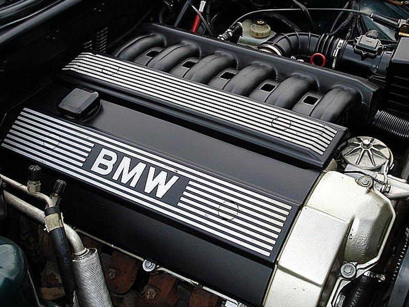 Двигатель M50