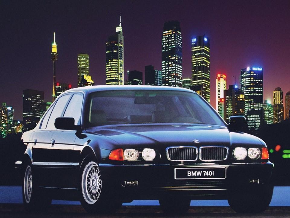 BMW 740i Е38.