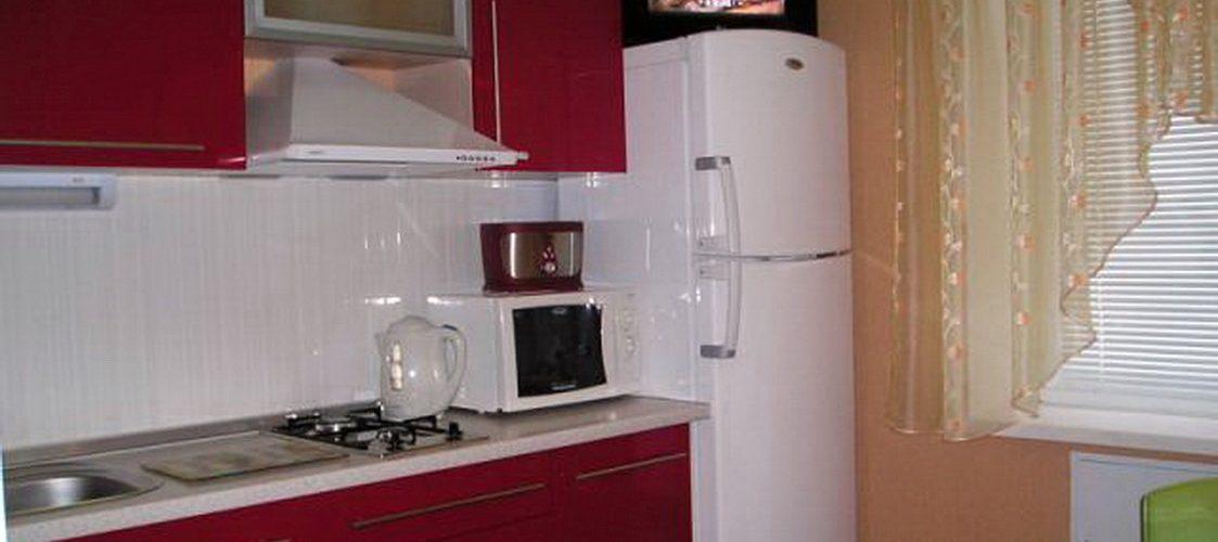 Можно ли ставить телевизор на холодильник?