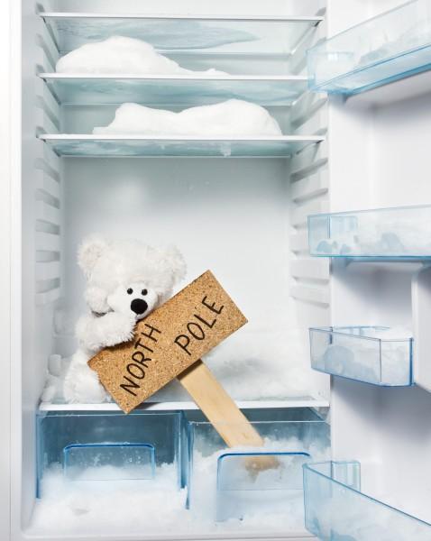 Лед в холодильнике