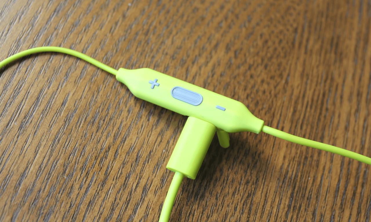 Как правильно заряжать беспроводные наушники?