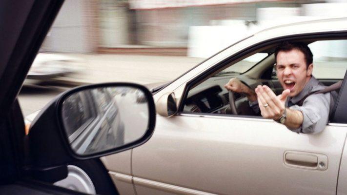 Топ 9 водительских ошибок, которые сильно раздражают соседей на дороге