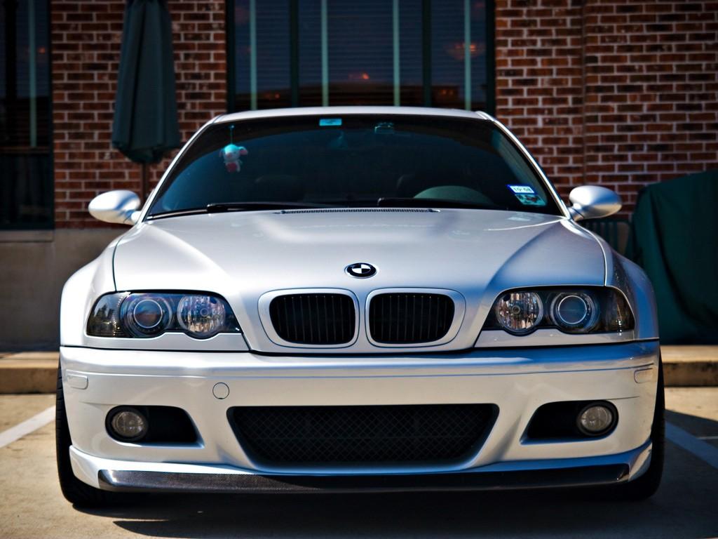 BMW E46 вид спереди.