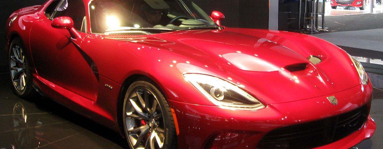 Легендарная Гадюка на дороге – характеристики Dodge Viper