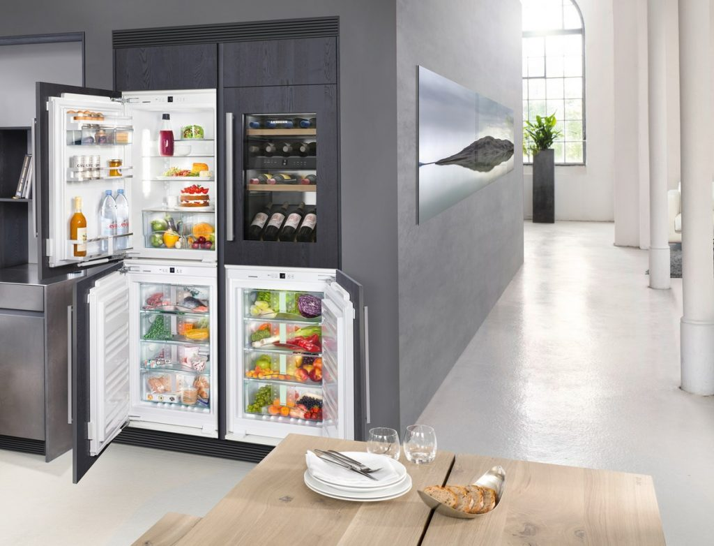 Встраиваемый холодильник Side by Side.
