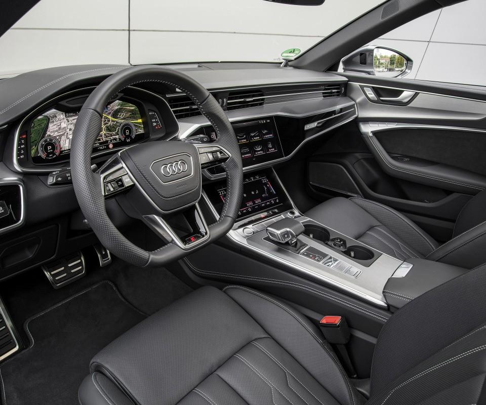 Audi A6 Avant салон.