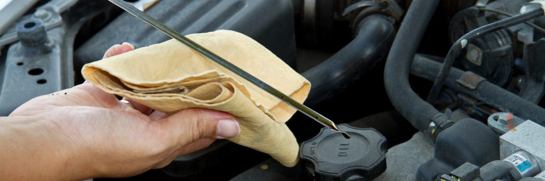 Как же правильно проверять масло: на холодном или прогретом моторе?