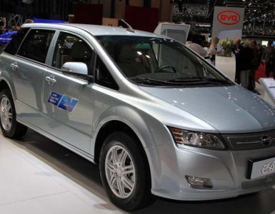 Электромобиль BYD E6.
